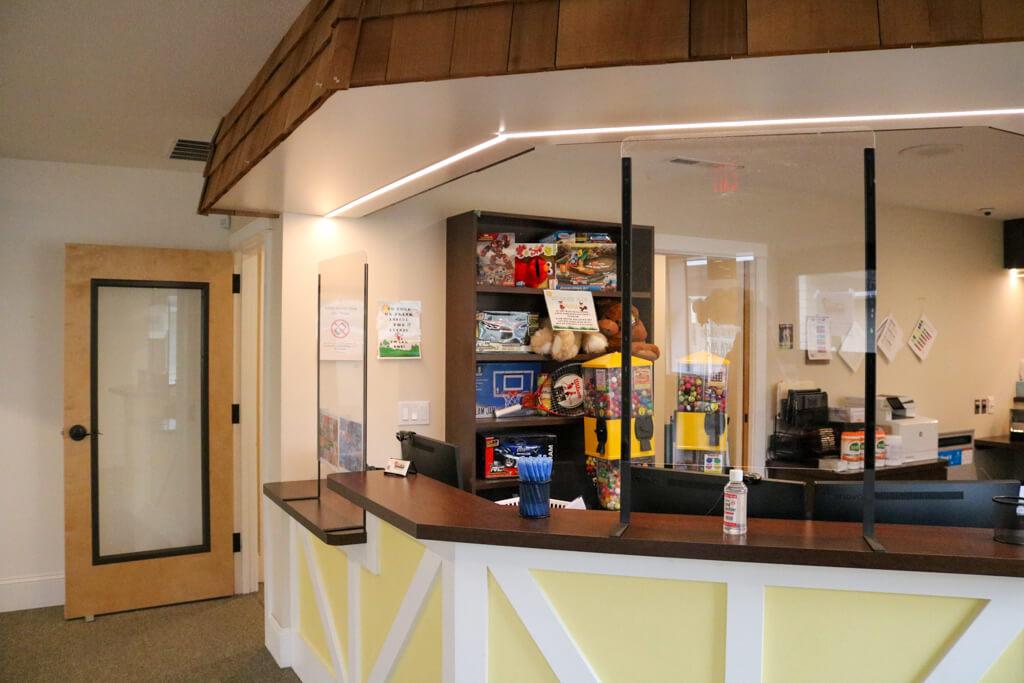 Interior office of Keizer office; front desk with toy/prizes present